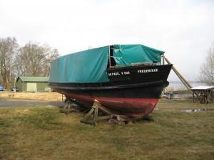 2010 - Frederiksværk kommune skærer i tilskud til turistforeningen og Frederikke blver lagt op. Ingen sejlads på Danmarks største sø.